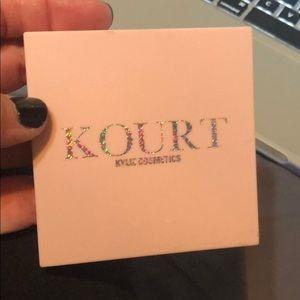 Kylie Cosmetics KourtxKylie Pink palette